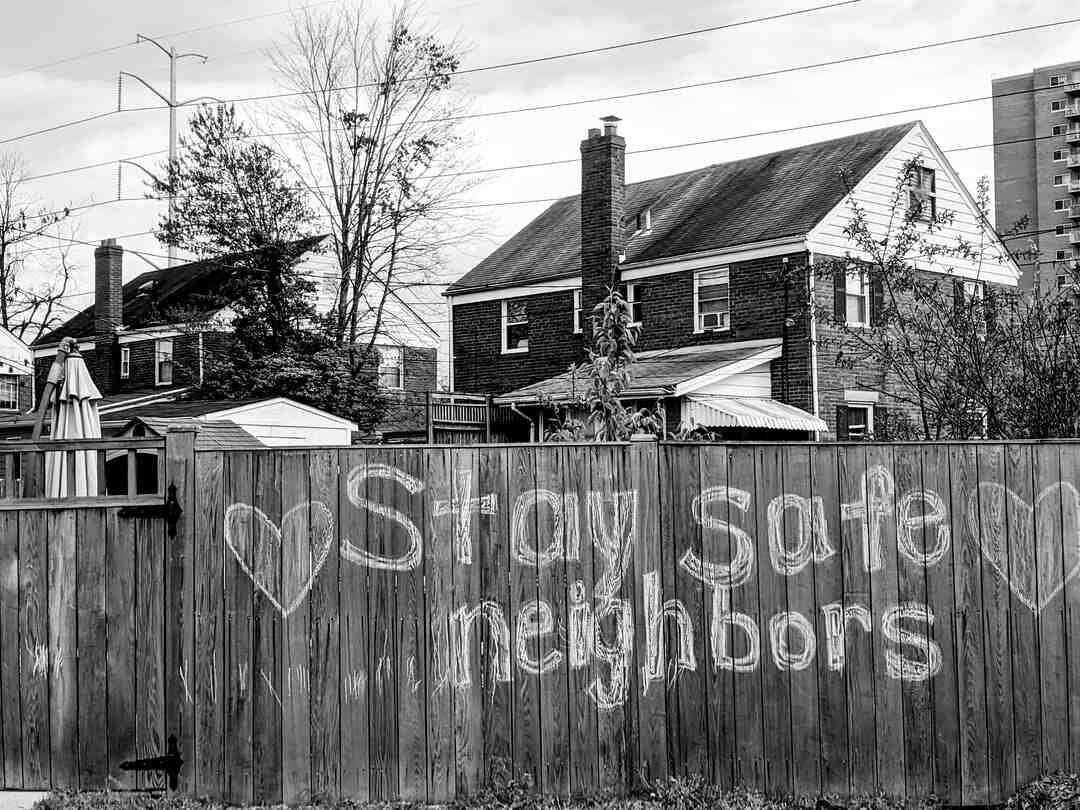 Comment obliger son voisin à déménager ?